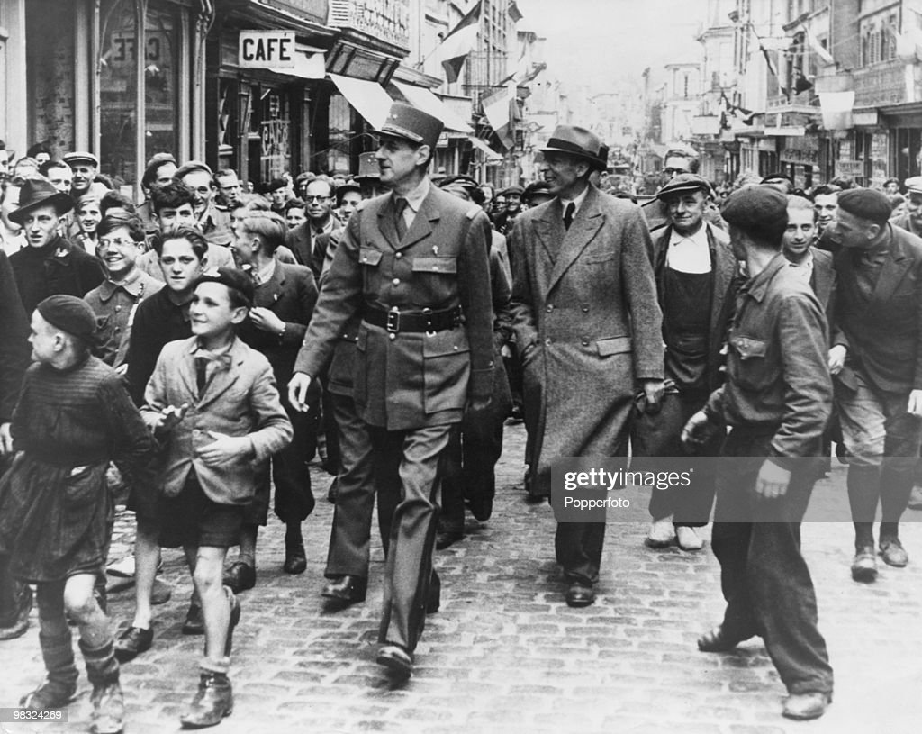 General Charles de Gaulle (1890 - 1970) arrives in Paris to celebration the Liberation of the city during World War II, 26th August 1944.