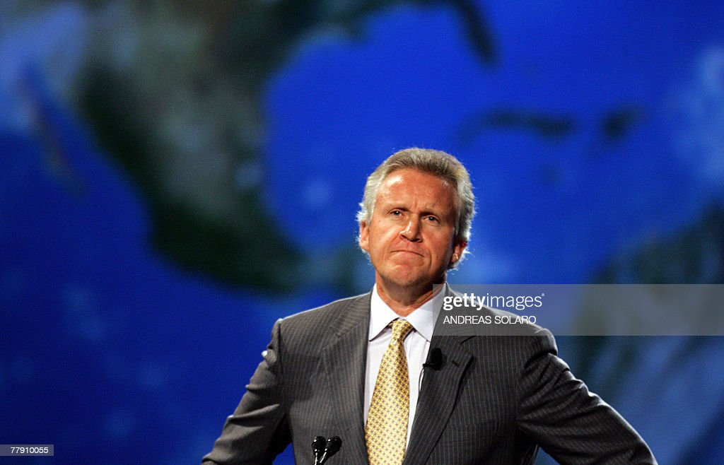 US General Electric Chairman and Chief Executive Officer Jeffrey R Immelt addresses delegates 14 November 2007 during the 20th World Energy Congress...