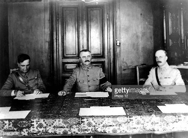 General Franchet d'Esperey and General Charpy signing the armistice Salonique Greece October 1918 World War I Vincennes War museum