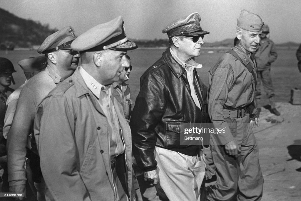 <a gi-track='captionPersonalityLinkClicked' href=/galleries/search?phrase=General+MacArthur&family=editorial&specificpeople=90932 ng-click='$event.stopPropagation()'>General MacArthur</a> begins his inspection tour of the facilities in the Inchon area. From left to right: Vice Admiral Arthur D. Struble, General Douglas MacArthur, and Major General Oliver P. Smith.