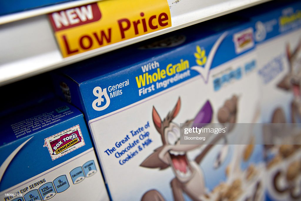 General Mills Inc. cereal sits on display at a supermarket in Princeton, Illinois, U.S., on Tuesday, Sept. 17, 2013. General Mills, Inc., said net sales rose 8 percent to $4.37 billion. Photographer: Daniel Acker/Bloomberg via Getty Images