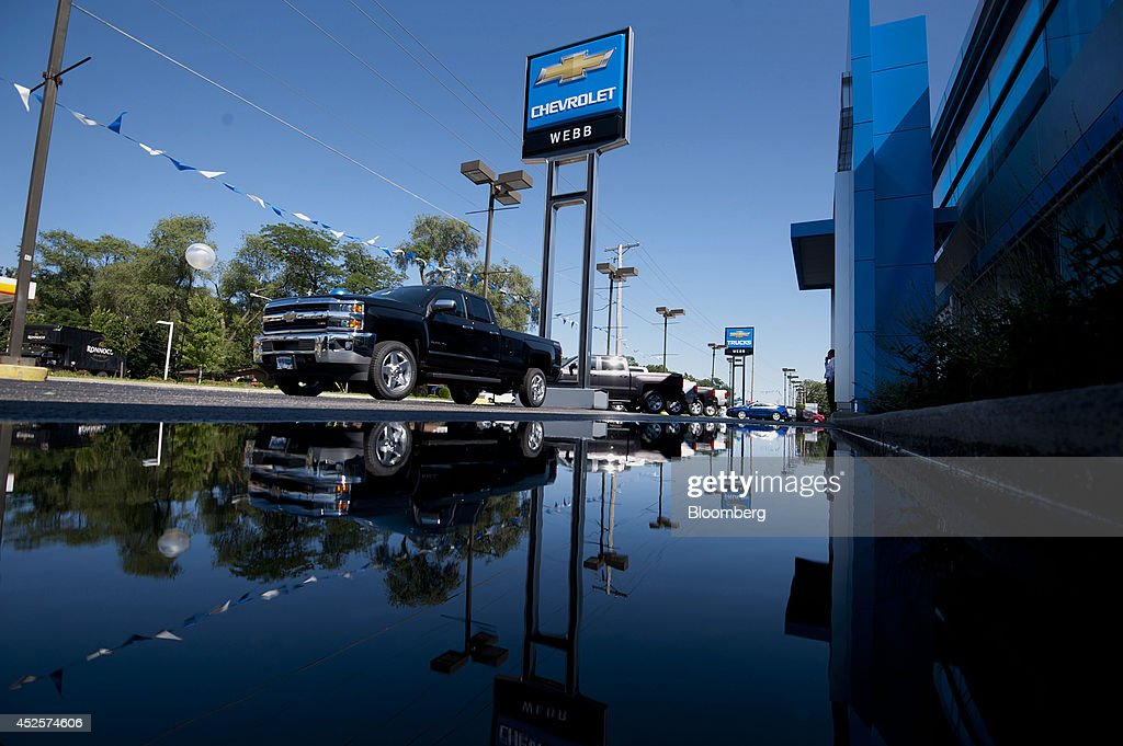 A General Motors Co Car Dealership Ahead Of Earnings