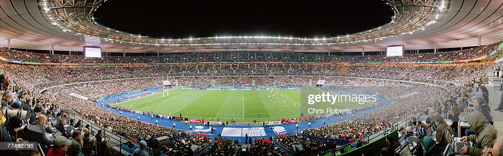 A general panoramic view of the match action during 2007 Rugby World Cup Final between England and South Africa at the Stade de France on October 20...