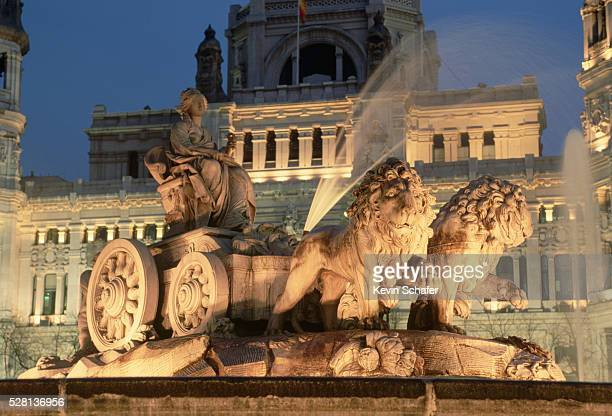 General Post Office and Fountain of Cybele by Francisco Gutierrez and Robert Michel, at Night