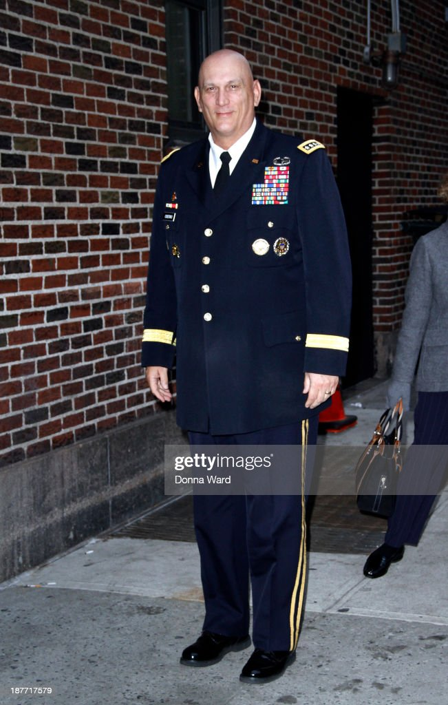 General <a gi-track='captionPersonalityLinkClicked' href=/galleries/search?phrase=Ray+Odierno&family=editorial&specificpeople=3093683 ng-click='$event.stopPropagation()'>Ray Odierno</a> arrives for the 'Late Show with David Letterman' at Ed Sullivan Theater on November 11, 2013 in New York City.