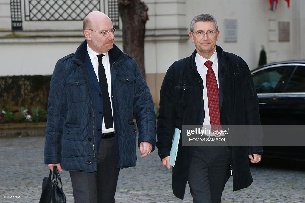 SNCF general secretary Stephane Volant (L) and Security vice-president Frederic Pechenard (R) arrive for a special meeting of the Public Transport National Security Committee on the Ile-de -France region at the Hotel Beauvau in Paris, on February 10, 2016. AFP PHOTO / THOMAS SAMSON / AFP / THOMAS SAMSON