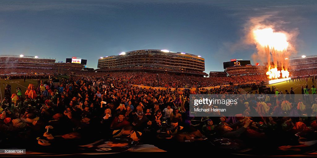 A general view as fans watch the Pepsi Super Bowl 50 Halftime Show at Levi's Stadium on February 7, 2016 in Santa Clara, California.
