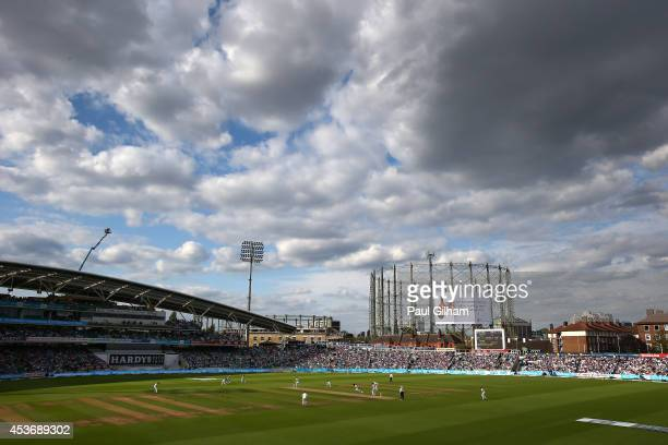 A general view as Jos Buttler and Joe Root of England add to the runs total during day two of the 5th Investec Test match between England and India...