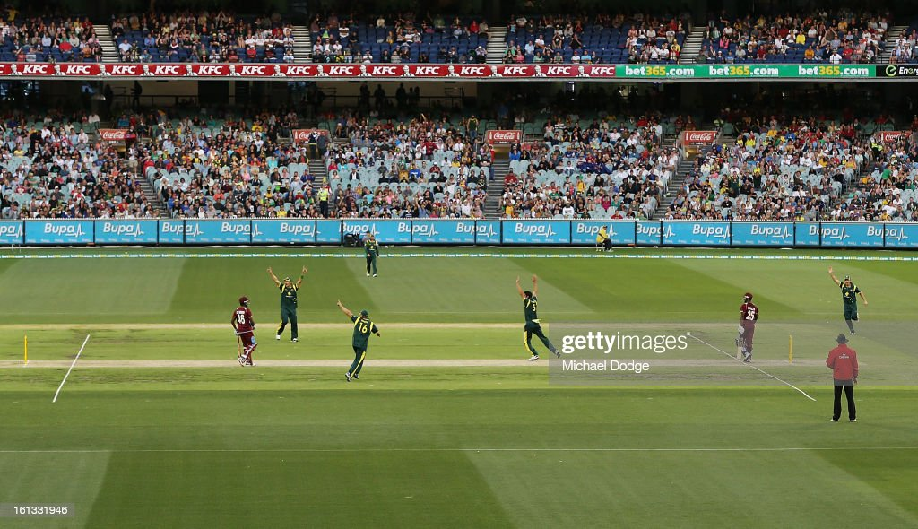 A general view as Mitchell Johnson appeals for a wicket during game five of the Commonwealth Bank International Series between Australia and the West Indies at Melbourne Cricket Ground on February 10, 2013 in Melbourne, Australia.