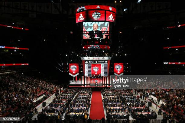 A general view as NHL Commissioner Gary Bettman speaks to the crowd during the 2017 NHL Draft at the United Center on June 23 2017 in Chicago Illinois