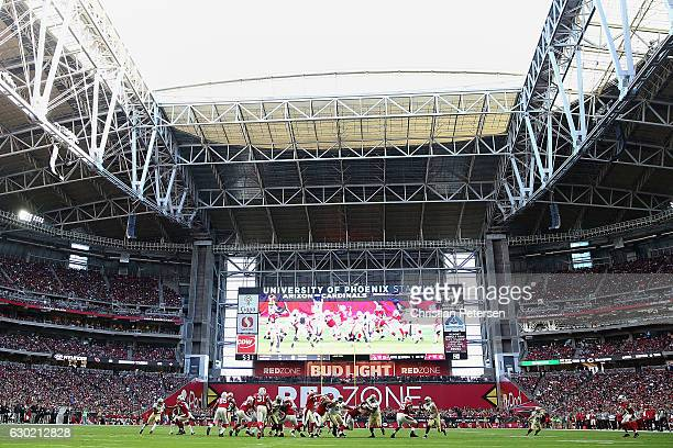 General view as quarterback Carson Palmer of the Arizona Cardinals throws a pass during the second quarter of the NFL game against the New Orleans...