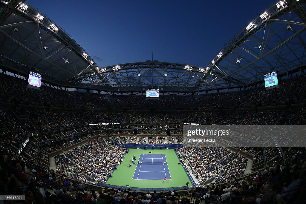 A general view as <a gi-track='captionPersonalityLinkClicked' href=/galleries/search?phrase=Serena+Williams&family=editorial&specificpeople=171101 ng-click='$event.stopPropagation()'>Serena Williams</a> of the United States plays against <a gi-track='captionPersonalityLinkClicked' href=/galleries/search?phrase=Bethanie+Mattek-Sands&family=editorial&specificpeople=7481266 ng-click='$event.stopPropagation()'>Bethanie Mattek-Sands</a> of the United States during their Women's Singles Third Round match on Day Five of the 2015 US Open at the USTA Billie Jean King National Tennis Center on September 4, 2015 in the Flushing neighborhood of the Queens borough of New York City.