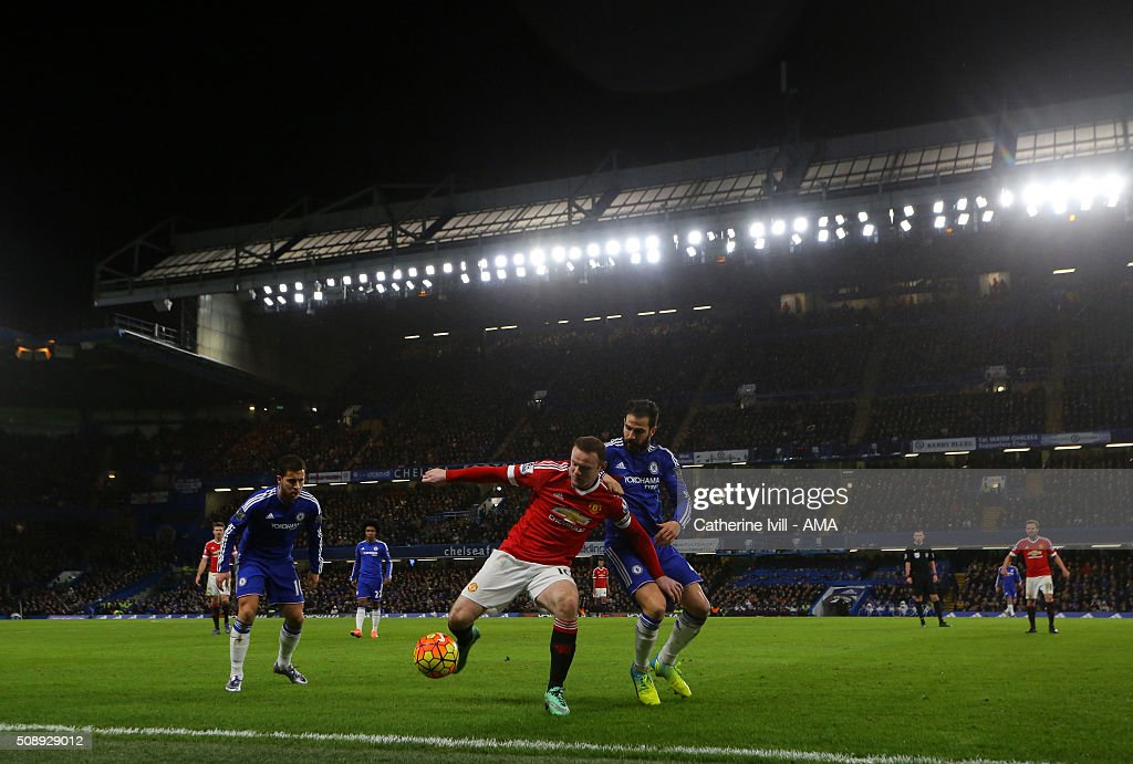 A general view as Wayne Rooney of Manchester United holds off Cesc Fabregas of Chelsea during the Barclays Premier League match between Chelsea and Manchester United at Stamford Bridge on February 7, 2016 in London, England.