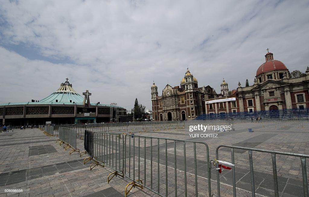 General view at 'La Villa' or Basilica de Guadalupe complex where Pope Francis is due to give an open mass, in Mexico City on February 10, 2016. Pope Francis will visit four Mexican states from next February 12 to 17. AFP PHOTO / YURI CORTEZ / AFP / YURI CORTEZ