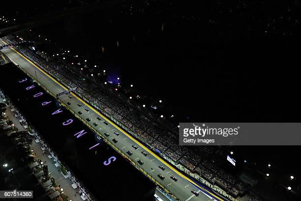 A general view at the start during the Formula One Grand Prix of Singapore at Marina Bay Street Circuit on September 18 2016 in Singapore