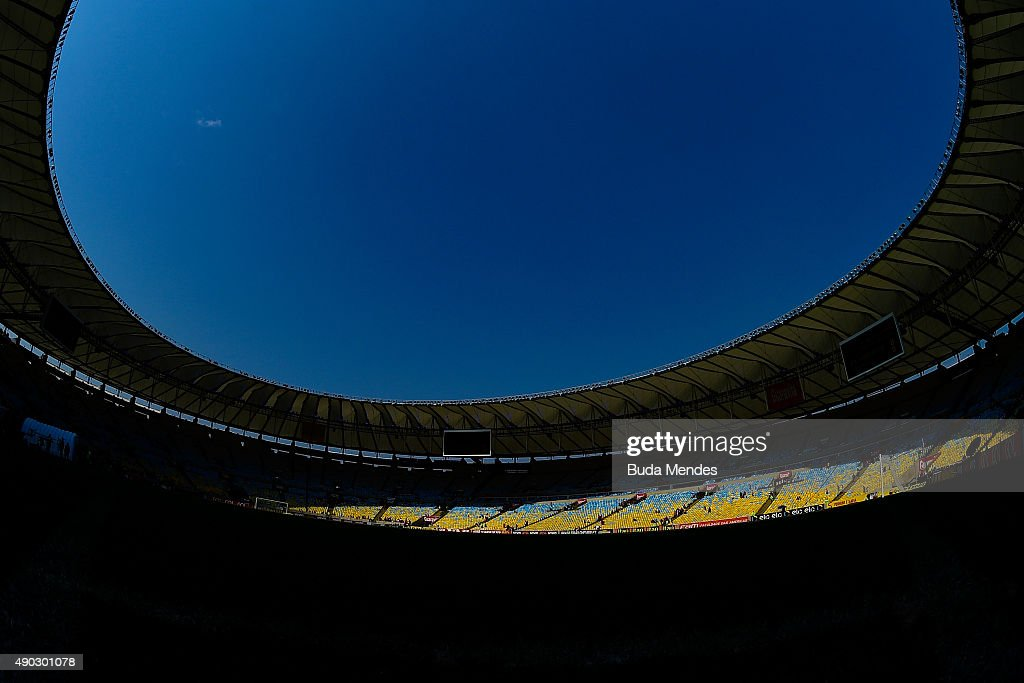 General view before a match between Flamengo and Vasco as part of Brasileirao Series A 2015 at Maracana Stadium on September 27 2015 in Rio de...