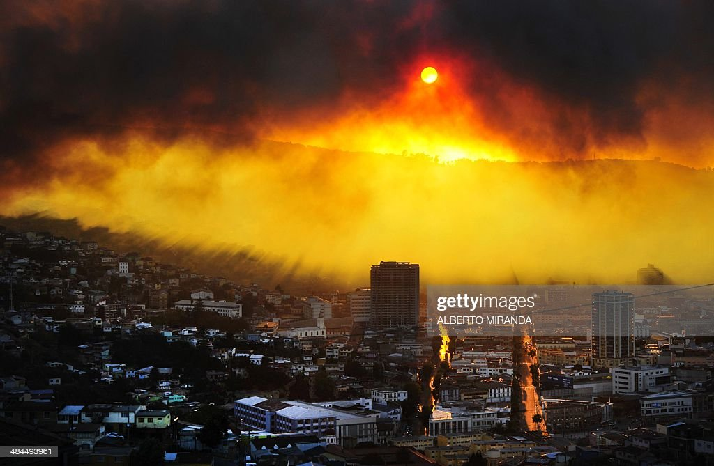General view during a fire in Valparaiso 110 km west of Santiago Chile on April 12 2014 Authorities decreed a red alert for the area after the fire...
