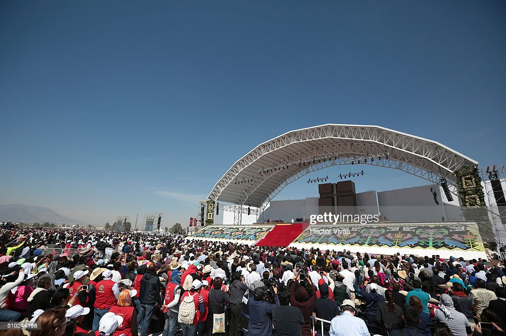 General view during Pope Francis mass for the people at El Caracol on February 14, 2016 in Ecatepec, Mexico. Pope Francis is on a five-day visit in Mexico from February 12 to 17 where he is expected to visit five states.