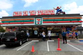 A general view during Pro Skatboarder Rob Dyrdek unveils 7Eleven Urban Skate Store and opens 'Safe Spot Skate Spot' funded by a 250000 dollar...