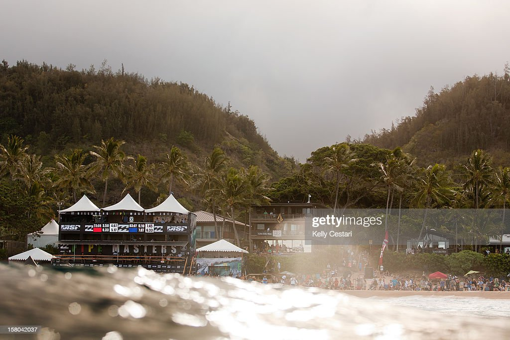 A general view during rounds two and three of the Billabong Pipe Masters on December 9, 2012 in North Shore, Hawaii.
