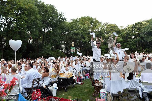 General view during the 'Diner en Blanc' at Neptunbrunnen on August 5 2015 in Munich Germany