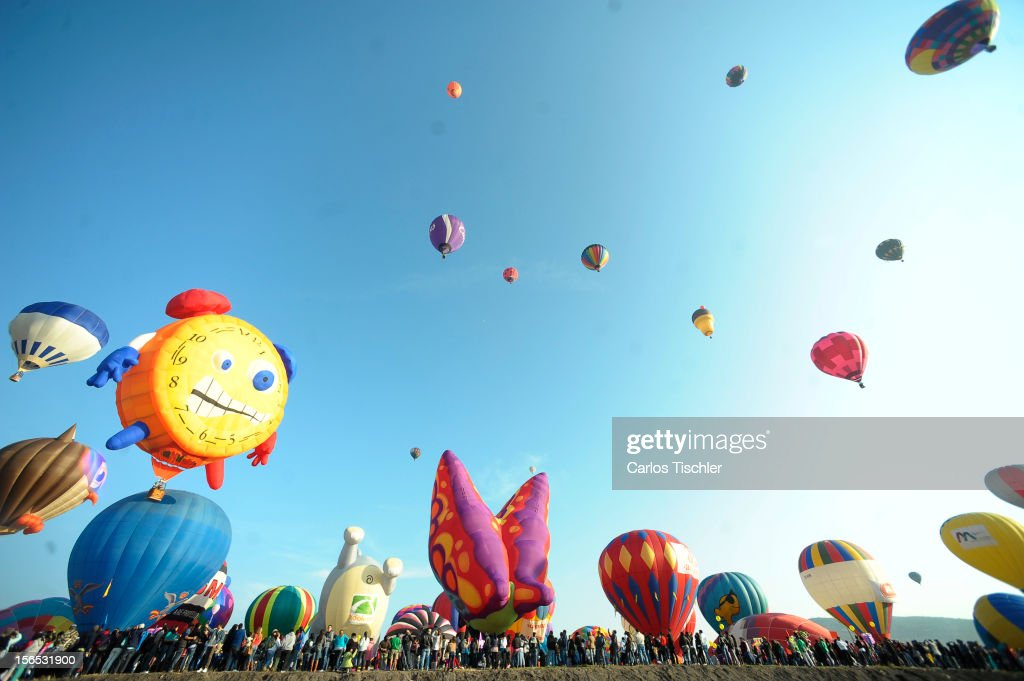 General view during the opening day of the 11th edition of the International Balloon Festival 2012 with the participation of pilots from 14 countries and with over 1000 balloons of different shapes and colors, on November 16, 2012 in Leon, Mexico.