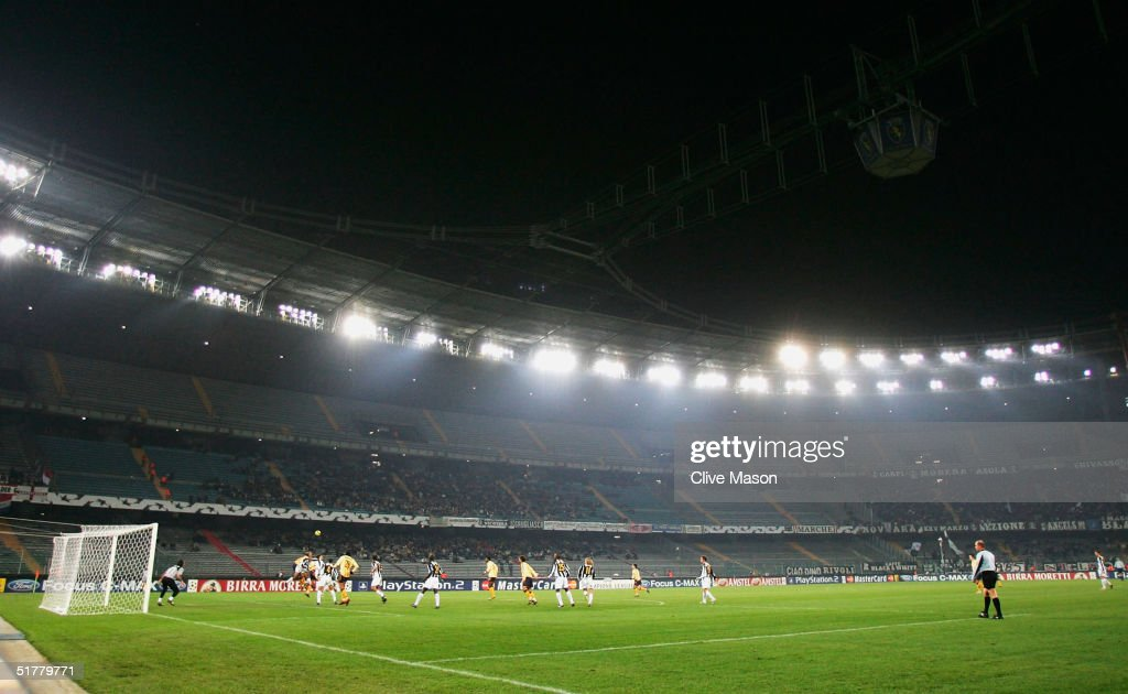 A general view during the UEFA Champions League Group C match between Juventus and Ajax at the Stadio Delle Alpi on November 23 2004 in Turin Italy