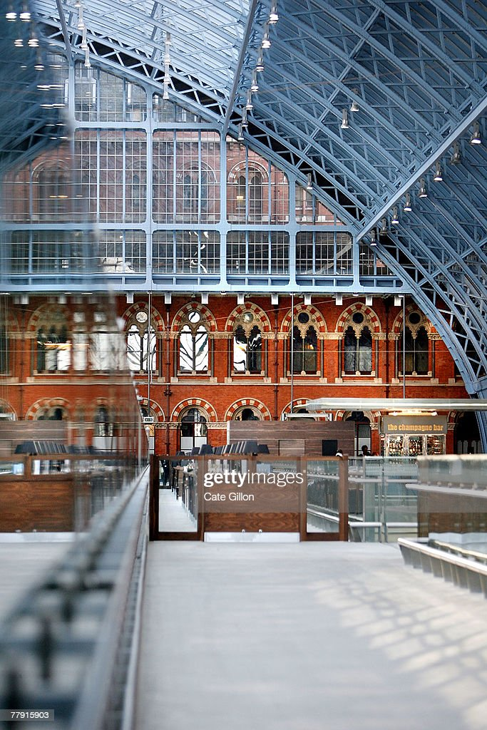A general view in the Eurostar terminal of St Pancras station on November 14 2007 in London England The first train to Paris pulled out of the...