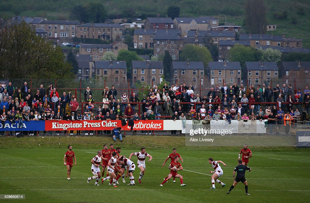 A general view is seen as Catalan Dragons attack Batley Bulldogs during the Ladbrokes Challenge Cup Sixth Round match between Batley Bulldogs and Catalan Dragons at the Fox's Biscuits Stadium on May 06, 2016 in Batley, England.