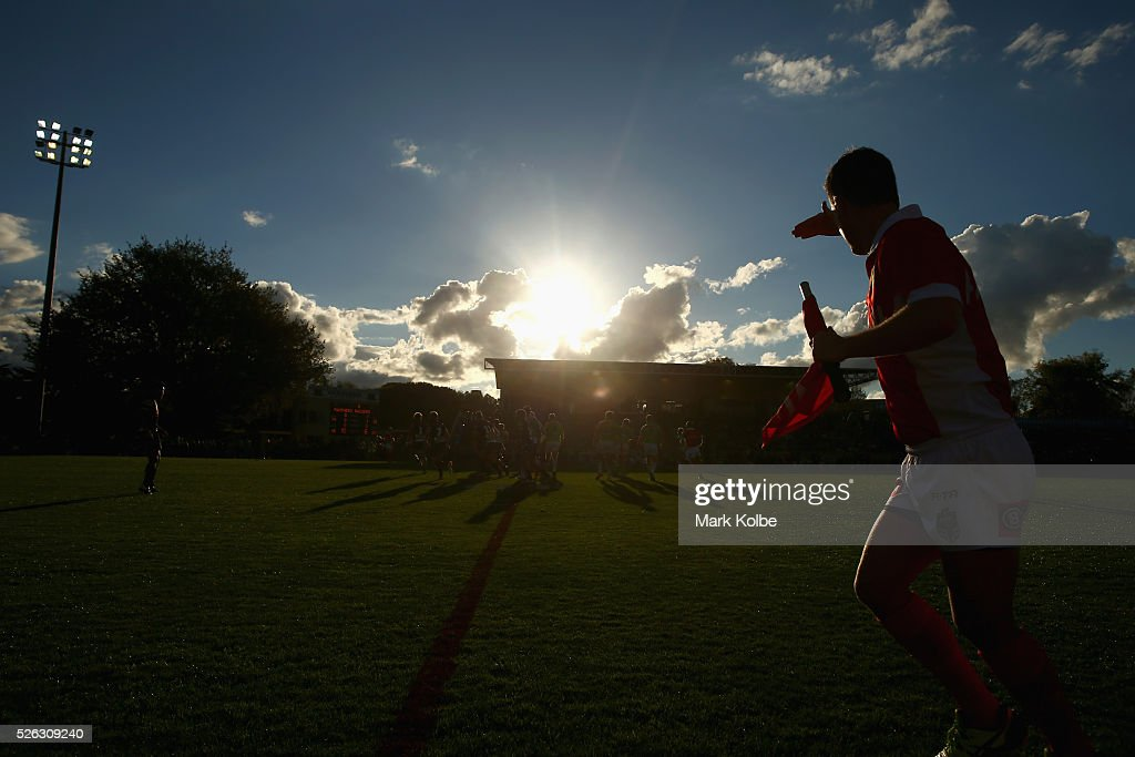 A general view is seen as the touch judge shields his eyes from the sun during the round nine NRL match between the Penrith Panthers and the Canberra Raiders at Carrington Park on April 30, 2016 in Bathurst, Australia.