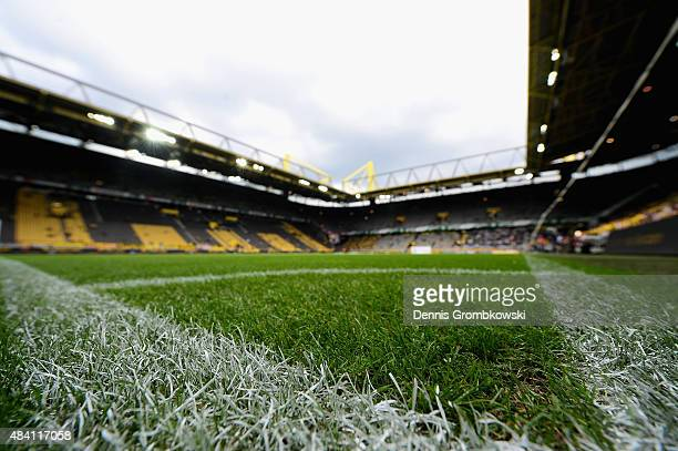 A general view is seen prior to kickoff during the Bundesliga match between Borussia Dortmund and Borussia Moenchengladbach at Signal Iduna Park on...