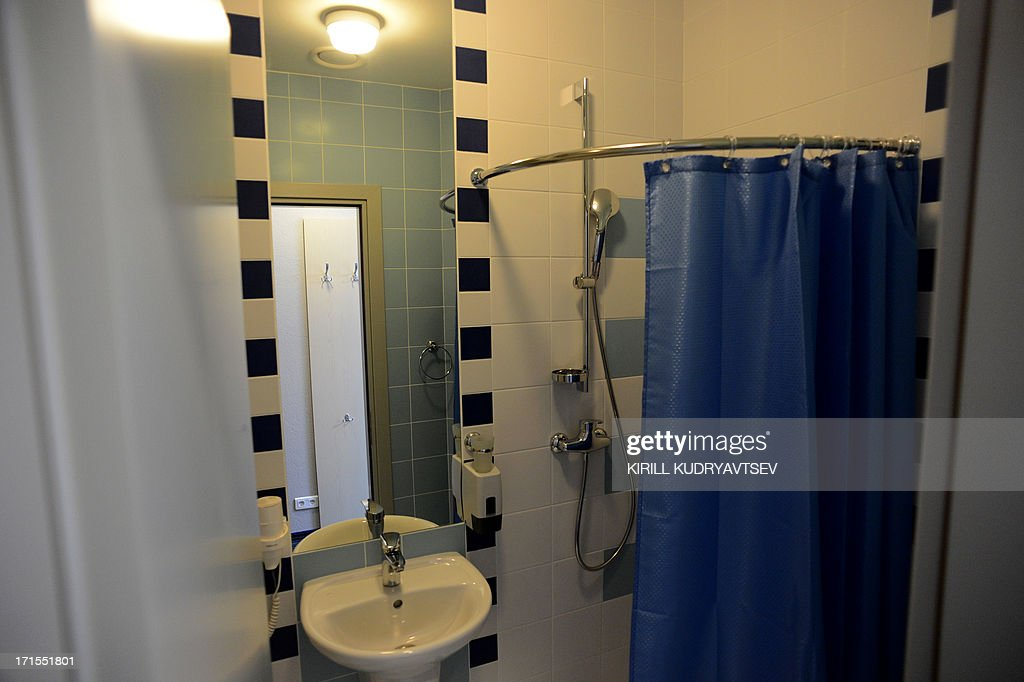 A general view of a bathroom in one of the rooms in the Capsule Hotel 'Air Express' inside Moscow's Sheremetyevo terminal F in Moscow on June 26, 2013, where US intelligence leaker Edward Snowden reportedly spent the fourth day with his onward travel. The man responsible for one of the biggest intelligence security breaches in US history has not been sighted since arriving in Moscow on a flight on June 23 from Hong Kong and according to Russia is still in a transit zone at Sheremetyevo airport. AFP PHOTO / KIRILL KUDRYAVTSEV