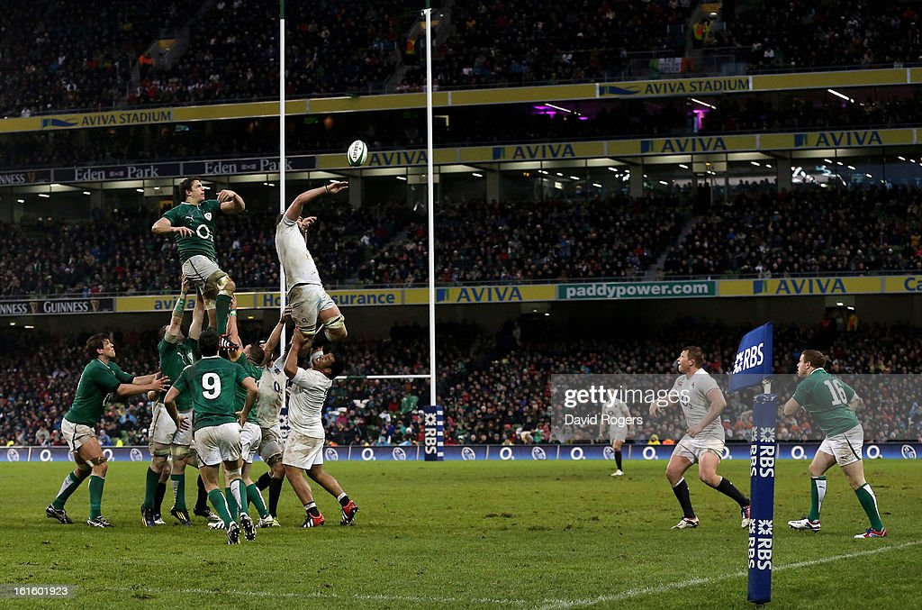 A general view of a lineout during the RBS Six Nations match between Ireland and England at Aviva Stadium on February 10, 2013 in Dublin, Ireland.