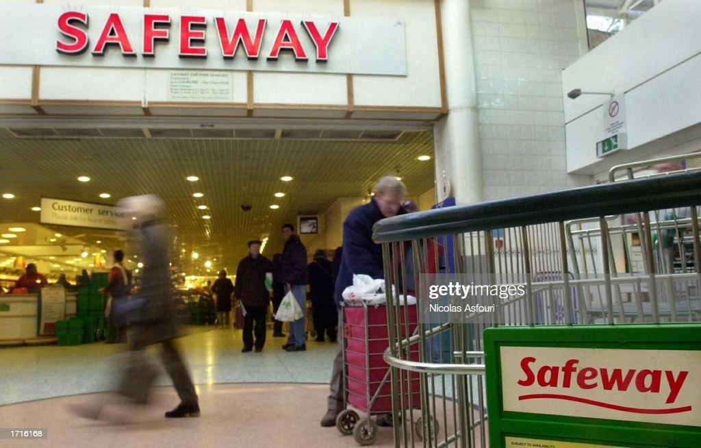 A general view of a Safeway supermarket in central London, England on January 9, 2003. Safeway has announced that rival retailers Morrisons have secured a ?2.9 billion take over bid for the nationwide chain of Supermarkets. The deal is expected to lead to 1,200 job cuts among 'non-store personnel'.