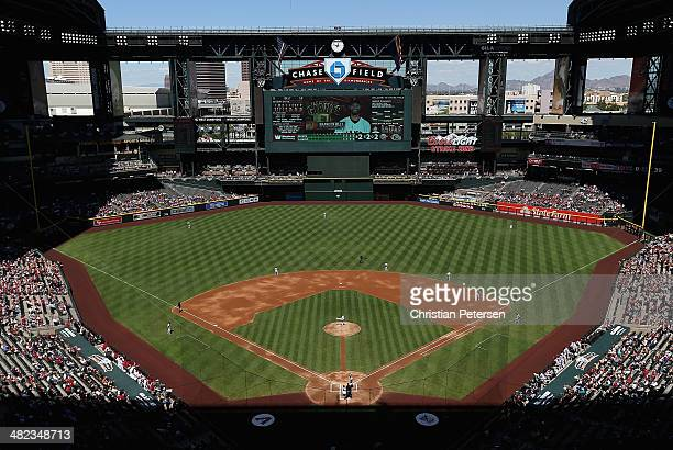 General view of action as starting pitcher Bronson Arroyo of the Arizona Diamondbacks pitches against the San Francisco Giants during the MLB game at...