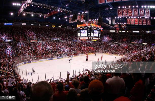 General view of action between the Anaheim Ducks and the Detroit Red Wings in game one of the 2007 Western Conference finals on May 11 2007 at Joe...