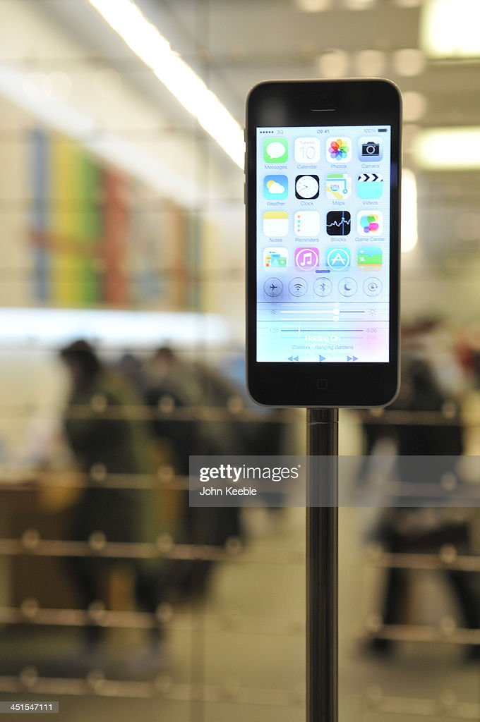 A general view of an iphone in the window of the Apple store on regent Street on November 20, 2013 in London, England. Apple CEO Tim Cook recently stated that he had high hopes for 'an iPad Christmas' having recently introduced the iPad Air, and the iPad Mini with Retina Display.