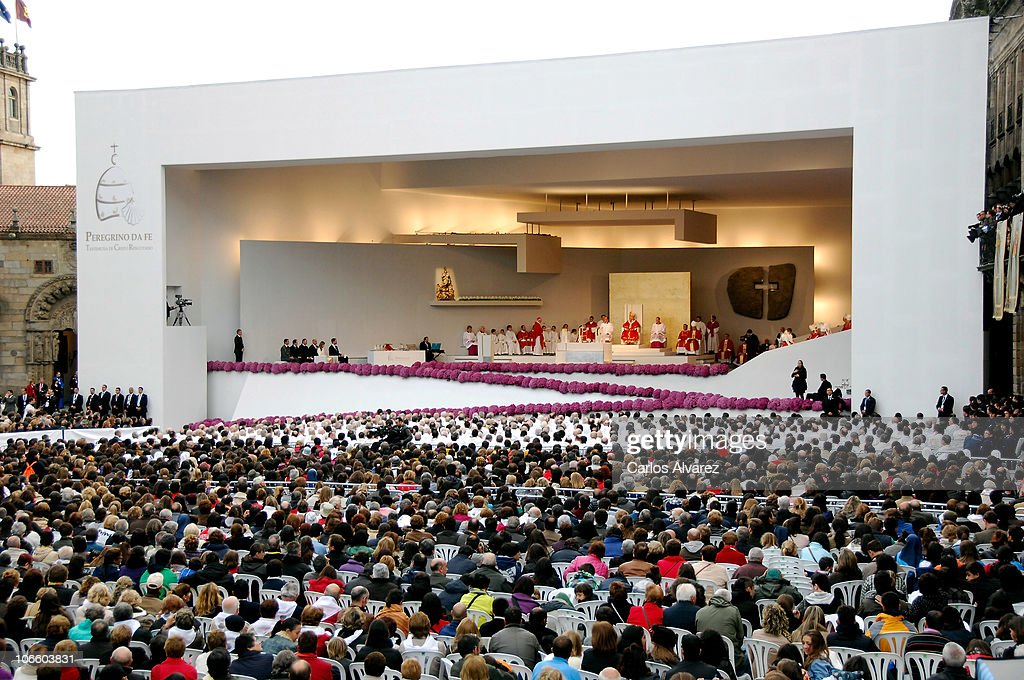 A general view of an open-air mass celebrated by <a gi-track='captionPersonalityLinkClicked' href=/galleries/search?phrase=Pope+Benedict+XVI&family=editorial&specificpeople=201771 ng-click='$event.stopPropagation()'>Pope Benedict XVI</a> in front of Santiago de Compostela Cathedral on Obradoiro square on November 6, 2010 in Santiago de Compostela, Spain. The Pope is on a two-day visit to Spain.