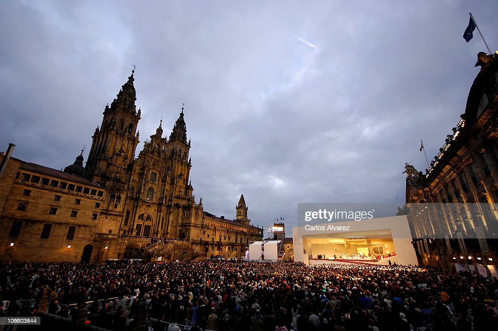 A general view of an open-air mass celebrated by Pope Benedict XVI in front of Santiago de Compostela Cathedral on Obradoiro square on November 6, 2010 in Santiago de Compostela, Spain. The Pope is on a two-day visit to Spain.