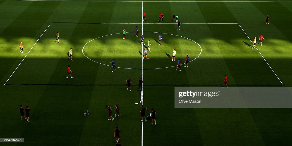 A General view of Atletico Madrid players training in San Siro stadium during an Atletico de Madrid training session on the eve of the UEFA Champions League Final against Real Madrid at Stadio Giuseppe Meazza on May 27, 2016 in Milan, Italy.