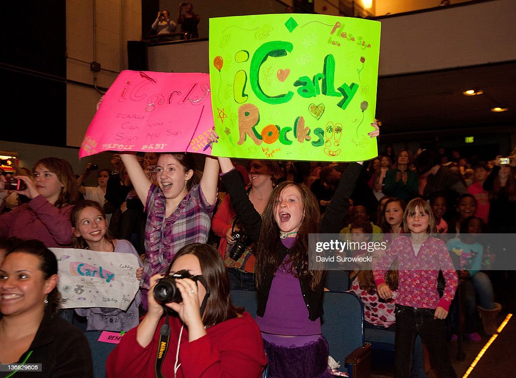 A general view of atmosphere as fans of Nickelodeon's iCarly wait outside the auditorium at the Naval Submarine Base New London on January 11, 2012 in Groton, Connecticut. The cast of iCarly was presenting a special military family screening of iMeet The First Lady, an episode of their show featuring Michelle Obama.