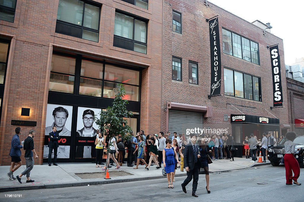 A general view of atmosphere at the VEVO and Styled To Rock Celebration Hosted by Actress Model and Styled to Rock Mentor Erin Wasson with...
