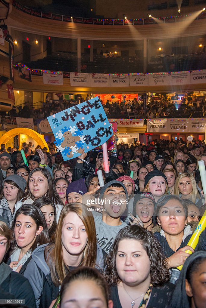 A general view of atmosphere at the Z100 & Coca-Cola All Access Lounge at Hammerstein Ballroom on December 13, 2013 in New York City.