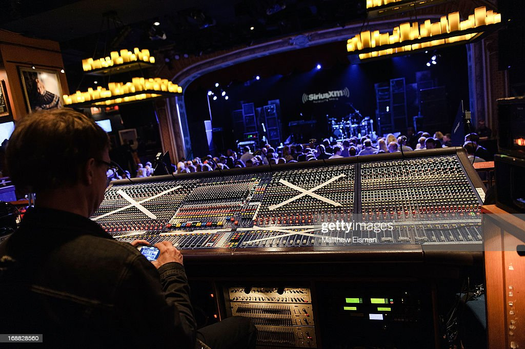 A general view of atmosphere during 'SirusXM Sounds Of Summer' Series featuring musician Trace Adkins at Hard Rock Cafe New York on May 15, 2013 in New York City.