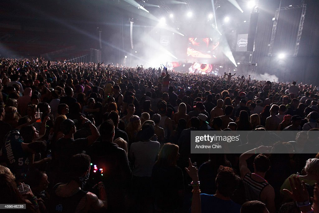 A general view of atmosphere during the <a gi-track='captionPersonalityLinkClicked' href=/galleries/search?phrase=Skrillex&family=editorial&specificpeople=7574565 ng-click='$event.stopPropagation()'>Skrillex</a> performance at 2013 Contact Winter Music Festival on December 26, 2013 in Vancouver, Canada.