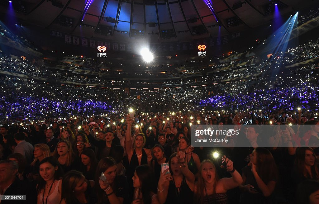 Z100 39 s jingle ball 2015 show getty images for Jingle ball madison square garden