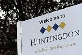 GBR: Huntingdon Races