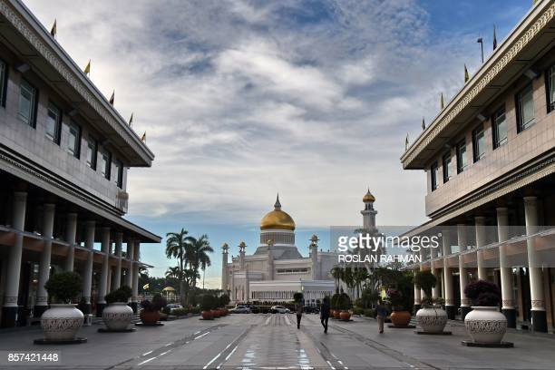 A general view of Brunei's Sultan Omar Ali Saifuddin mosque in Bandar Seri Begawan on October 4 2017 Brunei will mark its Sultan's Hassanal Bolkiah...