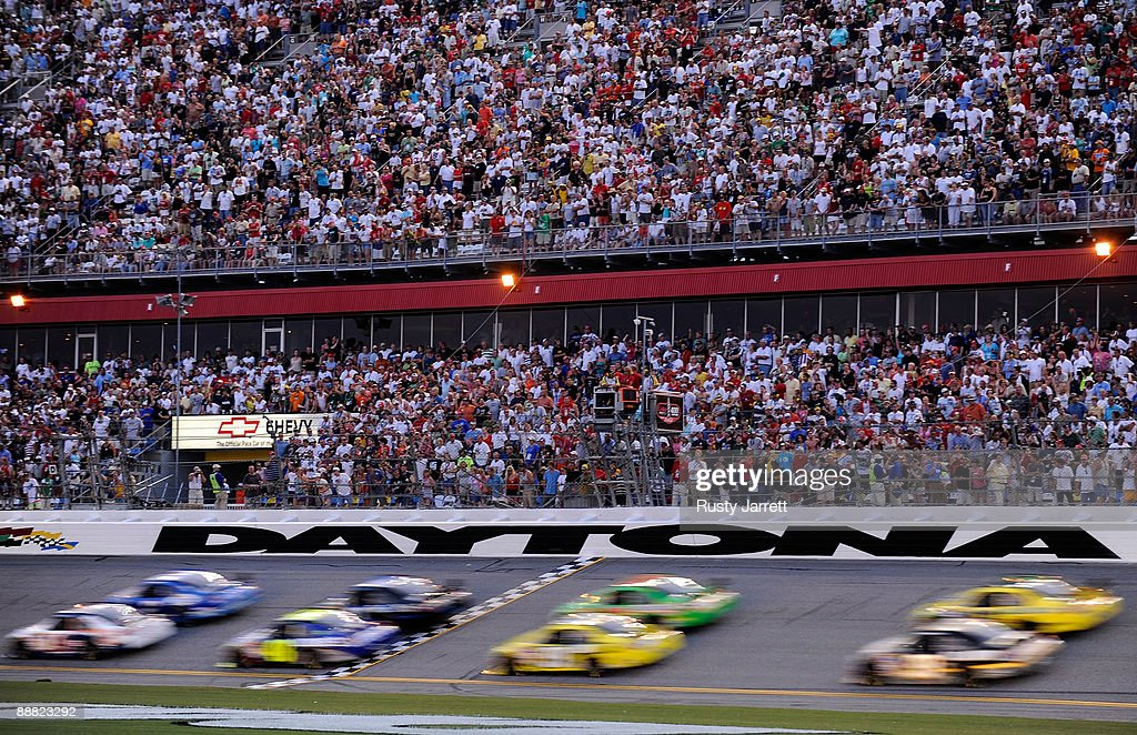 A general view of cars racing during the NASCAR Sprint Cup Series 51st Annual Coke Zero 400 at Daytona International Speedway on July 4, 2009 in Daytona Beach, Florida.