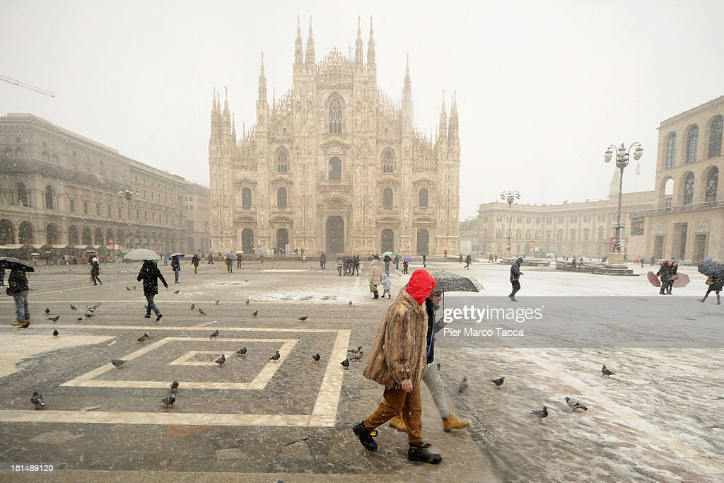 A general view of Duomo square under the snow on February 11, 2013 in Milan, Italy. Wind, snow and tempetarture under zero over the country has affected regions from North Italy to South Italy, transports has been affected with train cancellations and road closures.